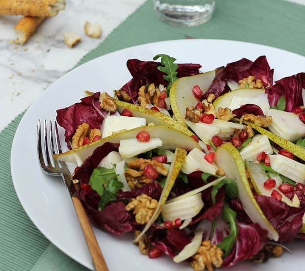 goat cheese, pomegranate & walnut salad