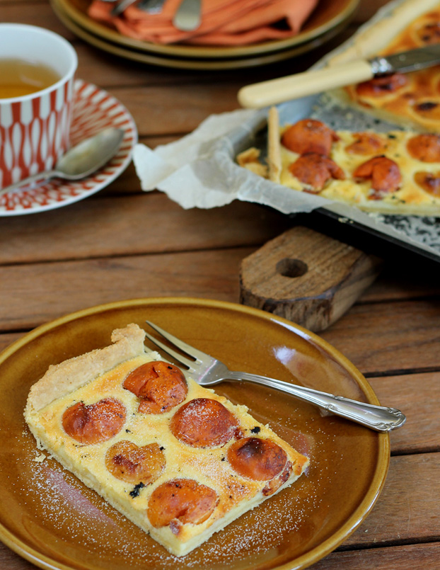 Naspli or Japanese plum tart