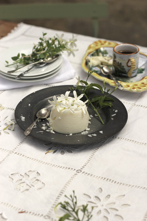 White chocolate jasmine blancmange