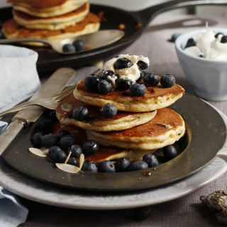 blueberry-almond-pancakes-header-copy